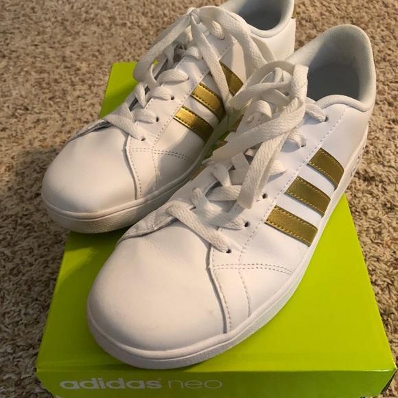 adidas scarpe casual white scarpa di donne 8 poshmark